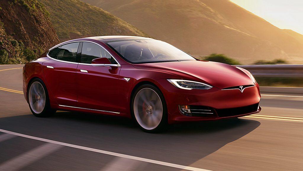 Tesla Model S, 10 domande (e risposte) per saperne di più sulle auto elettriche