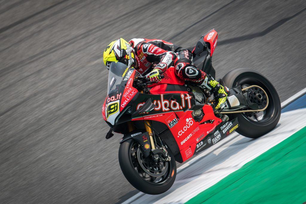 World SBK Tailandia Round 2, Ducati senza avversari