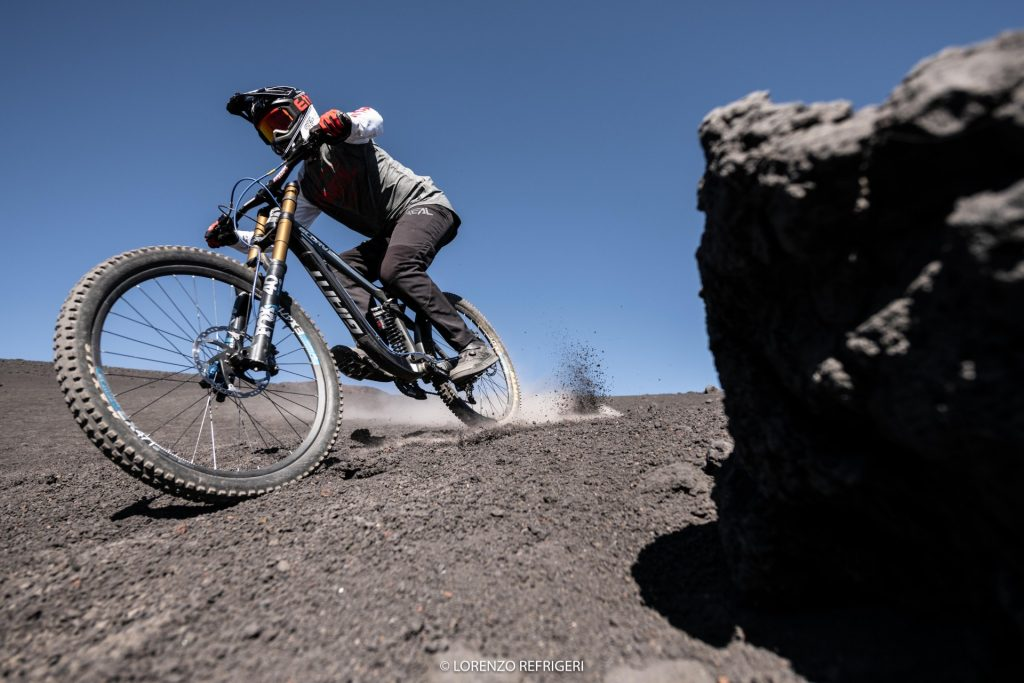 Giant Glory Advancedsfida al vulcano