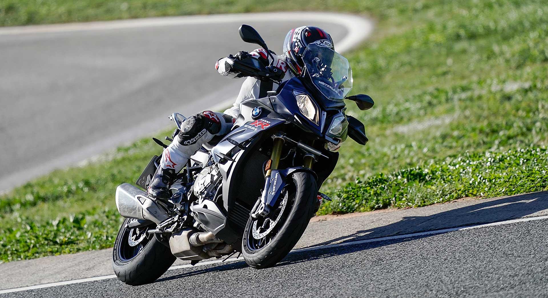 Metzeler Sportec M9R su BMW S1000XR