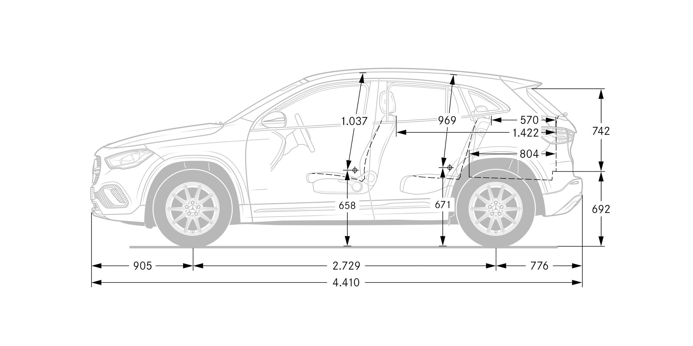 Nuova Mercedes GLA, le misure interne