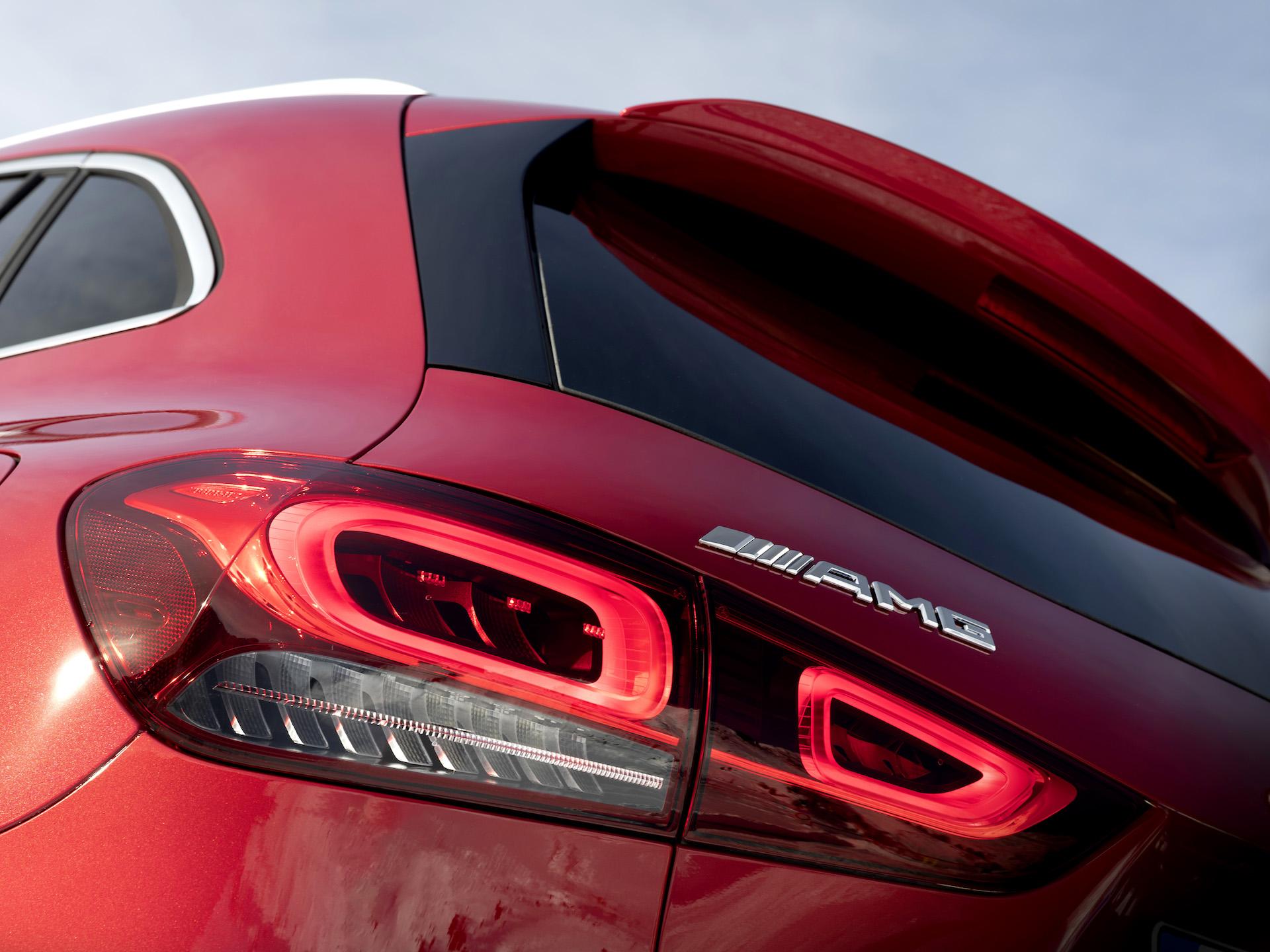 Mercedes GLA 2020 Faro posteriore
