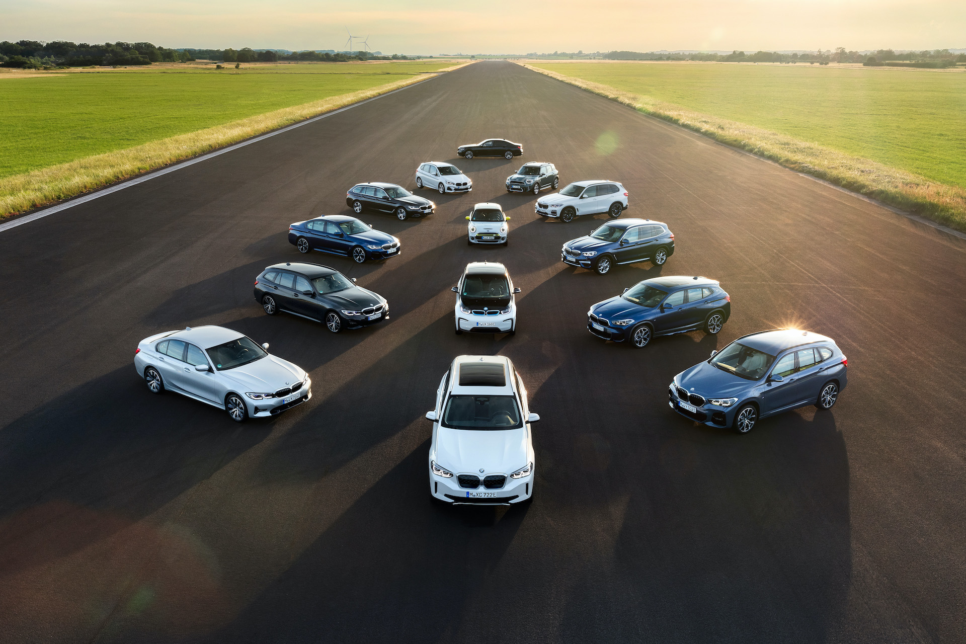 BMW #ElectrifYou BMW e MINI gamma elettrificate